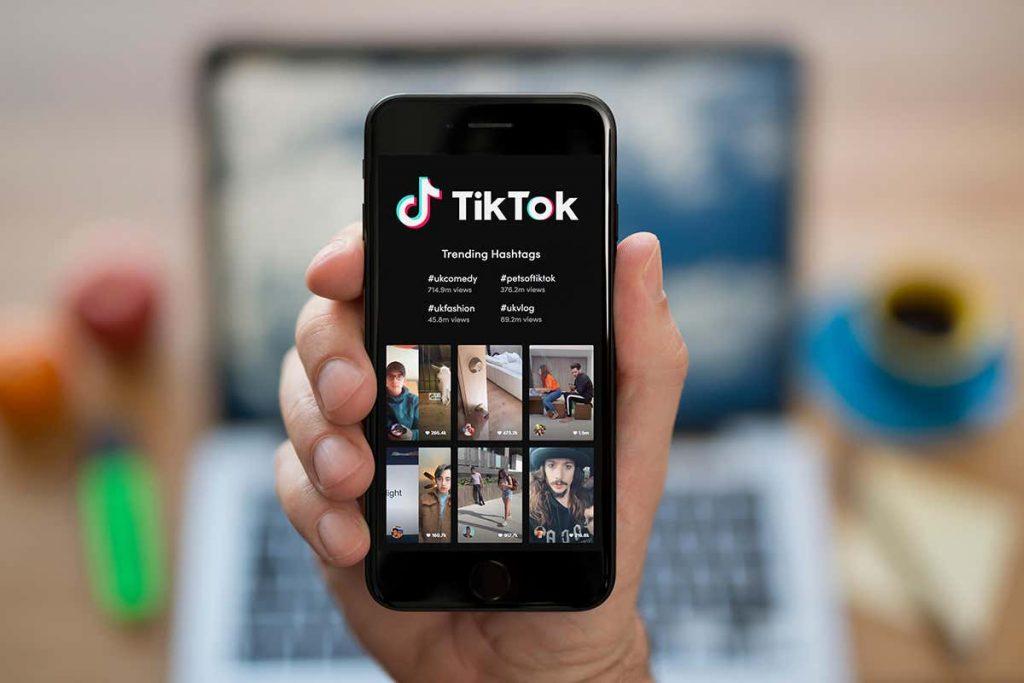 Red social TikTok en un smartphone