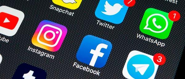 Redes sociales en el móvil (smartphone)