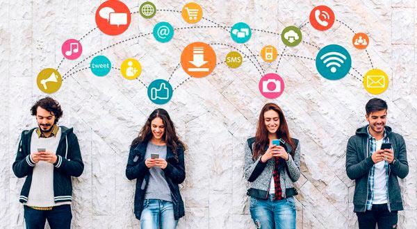 Estrategia de relación de la empresa en redes sociales. Los clientes
